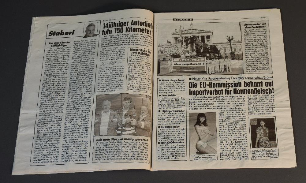 In einer Meinungskolumne der Kronen Zeitung wird der getötete Schubhäftling als gewalttätig dargestellt und Innenminister Karl Schlögl (SPÖ) offen der Rücken gestärkt, 5.5.1999